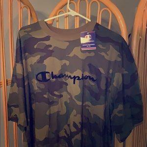 Camouflage champion shirt